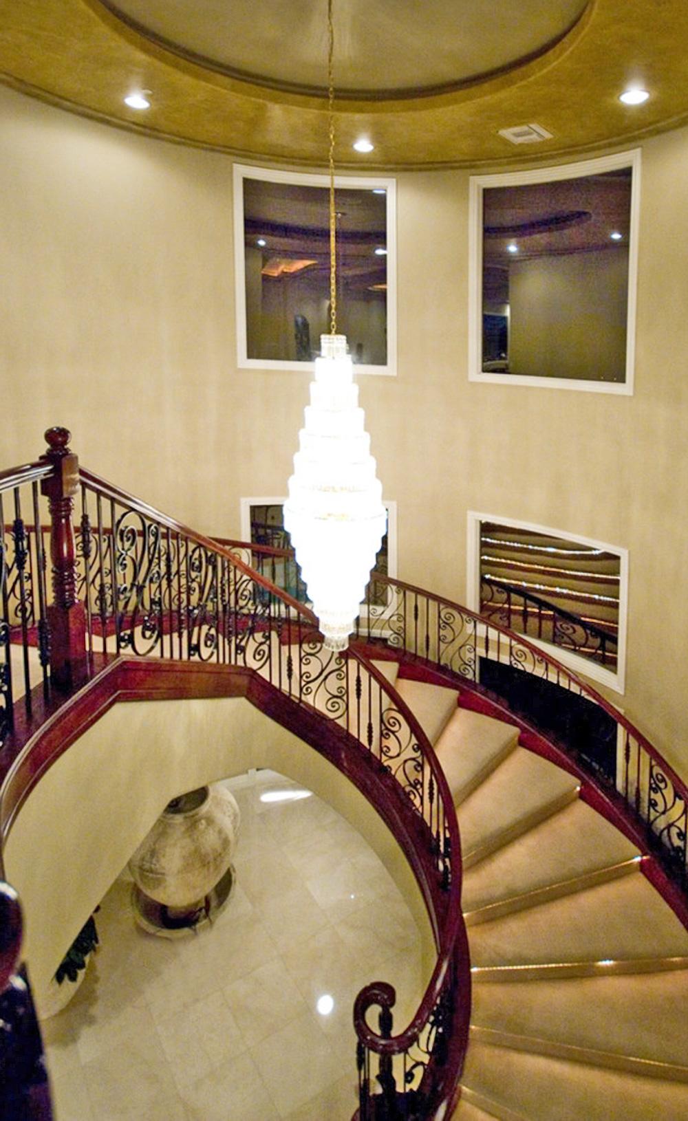 Tuscany Circular Staircase