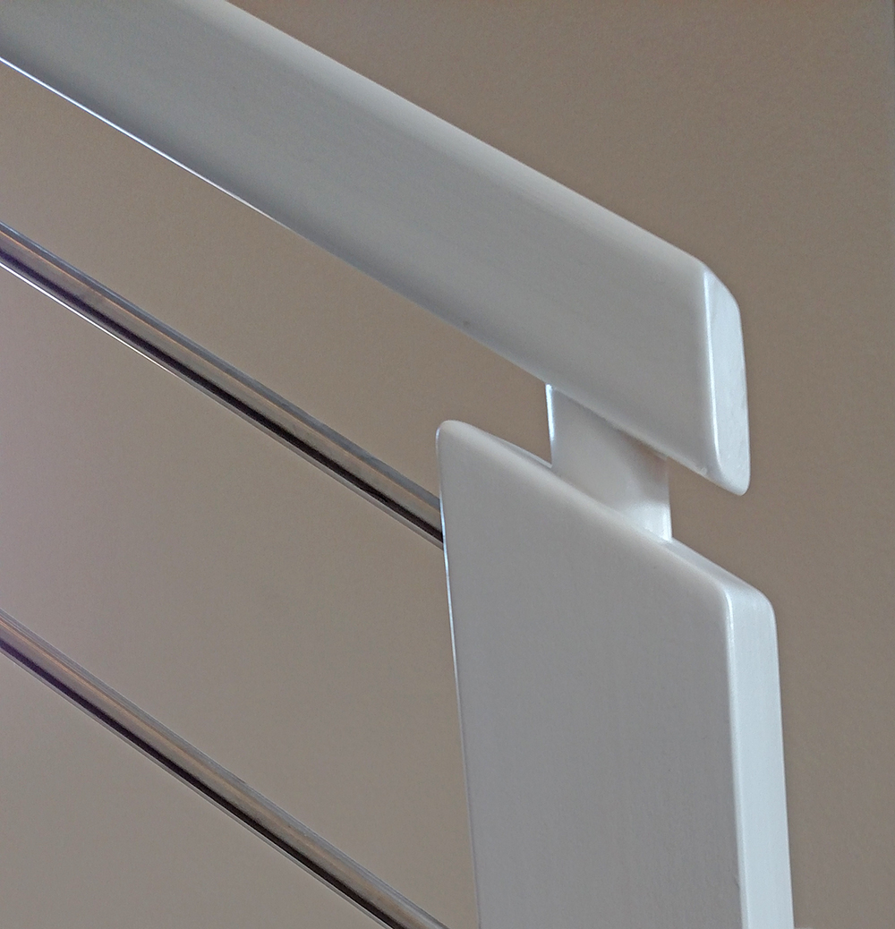 horizontal stainless White finish