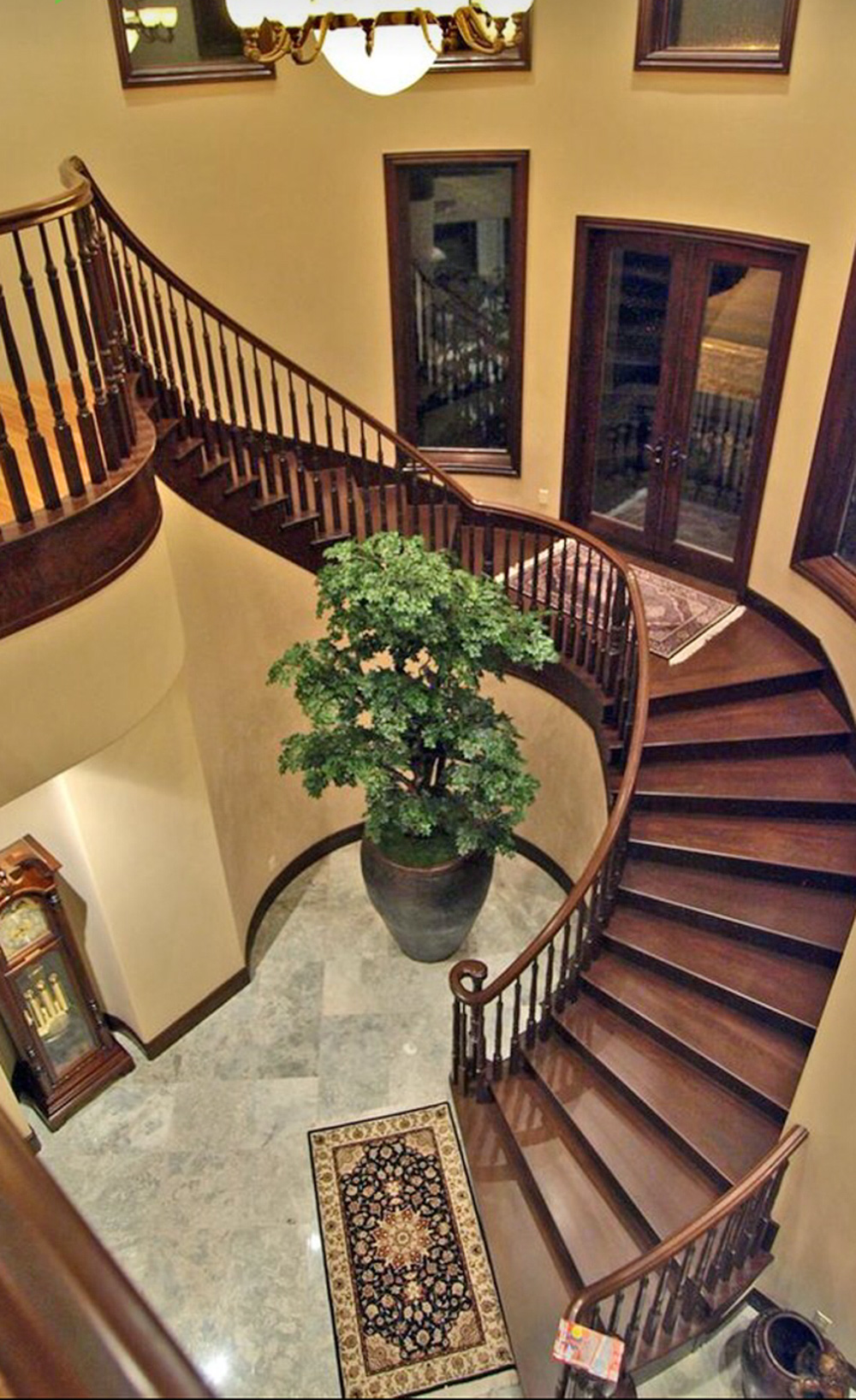 Traditional Circular Stain Staircase